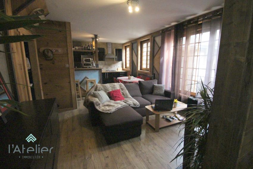 le geometric hiving t3 arreau baisse de prix. Black Bedroom Furniture Sets. Home Design Ideas