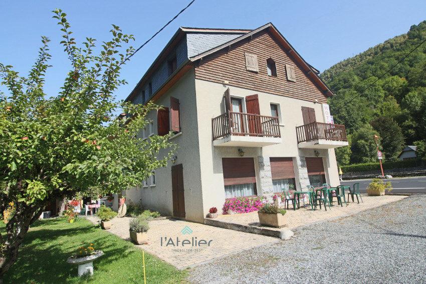 facade-hotel-de-charme-a-vedre-latelierimmo.com