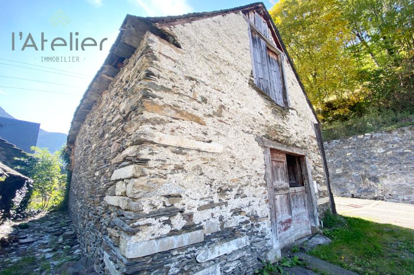 ancienne_grange_a_renover_dans _village_des_pyrenees_latelierimmo.com