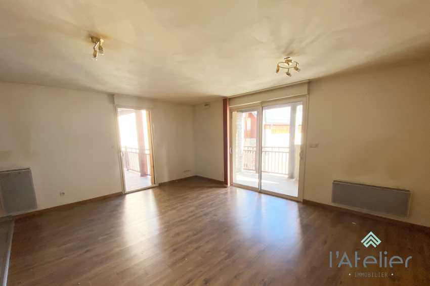a_vendre_appartement_plein_centre_saint_lary_latelierimmo.com